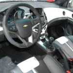 CREVROLET-CRUZE-HATCH-FOTOS-03