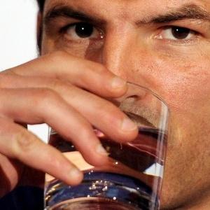 TRATAMENTOS PARA O ALCOOLISMO